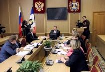 Злостных неплательщиков за электроэнергию пригласили на «ковёр» к новгородскому вице-губернатору