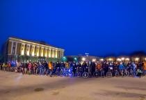 Фотофакт: в заезде «Велосветлячки» приняли участие около 300 новгородцев