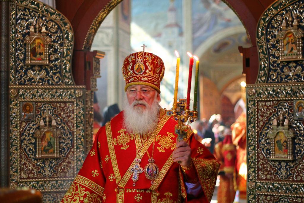 Прямая трансляция праздничного Пасхального богослужения из Софийского собора Великого Новгорода