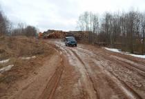 В Маревском районе дорога закрыта для движения тяжелогружённого транспорта