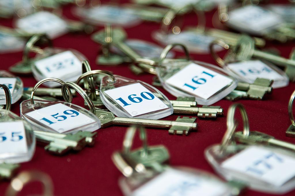 143 сироты получили крышу над головой благодаря прокуратуре Новгородской области