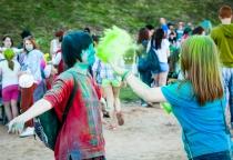 «Холи» в Великом Новгороде: добавь краски в жизнь