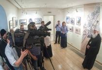Фоторепортаж: митрополит Новгородский и Старорусский Лев посетил выставку в Десятинном монастыре