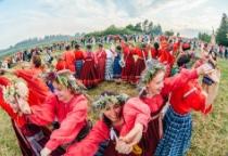 Фоторепортаж: в Великом Новгороде отметили праздник летнего солнцеворота