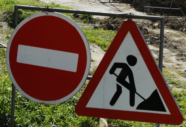 На ремонт дороги на улице Ворошилова мэрия выделит «гуманитарную помощь»