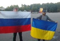 Фотофакт: новгородцы выступают за мир между Россией и Украиной
