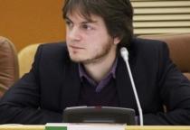 Прокуратуре предложено проверить соответствие квалификации Константина Хиврича должности директора «Алых парусов»