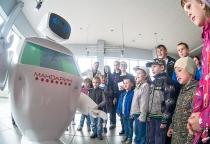 Фоторепортаж: Фестиваль робототехники в Великом Новгороде