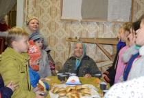 Новгородские «Кудесы» посвятили первоклашек в фольклористов