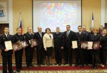 Новгородские участковые отмечают профессиональный праздник