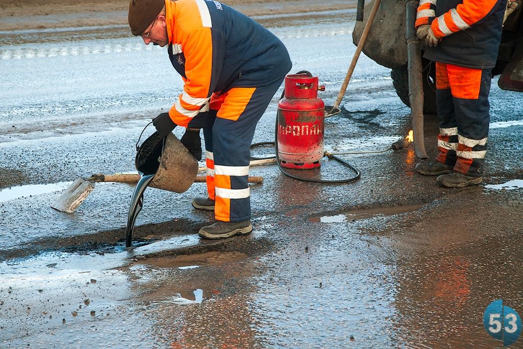 Руководство Новгородской области намерено покончить с аварийностью на дорогах