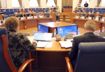 Новгородские депутаты пересмотрели требования к сити-менеджеру