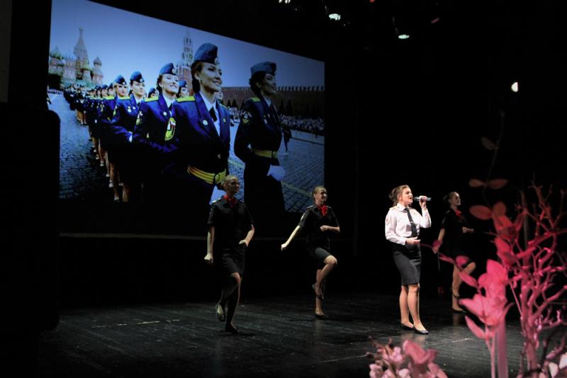 Работа для девушки в великом новгороде модельный бизнес ростов