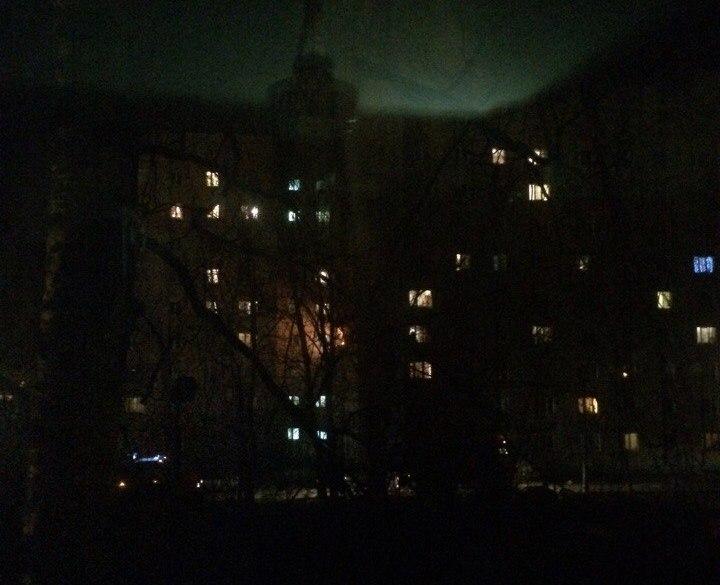 Из горящего дома на ул. Космонавтов эвакуировали 40 человек. Погиб мужчина