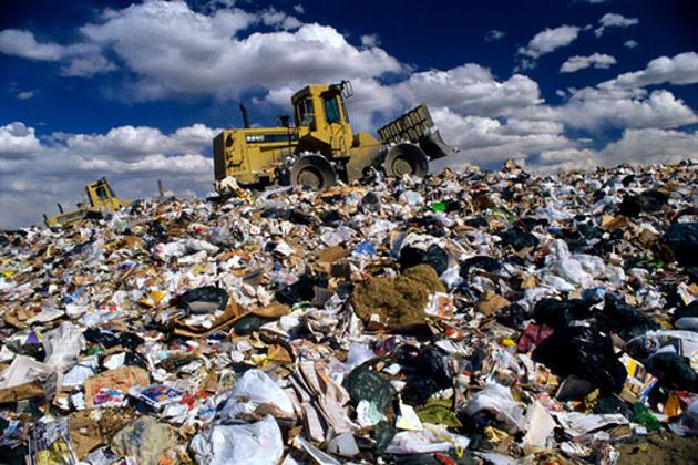Новгородцы, поправьте семейный бюджет: плату за вывоз мусора снизили
