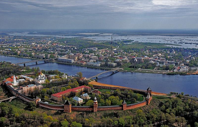 Великий Новгород входит в топ-10 городов России для поездок с детьми на осенние каникулы