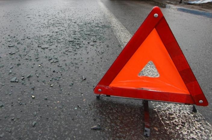 В лобовом столкновении «Шевроле-Нивы» и ВАЗ-21102 в Хвонинском районе погиб человек