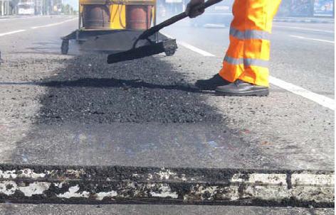 В Великом Новгороде освоено 65% субсидий, выделенных на ремонт дорог