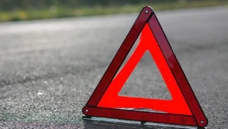 В Великом Новгороде молодая автоледи попала в ДТП из-за своего маневра