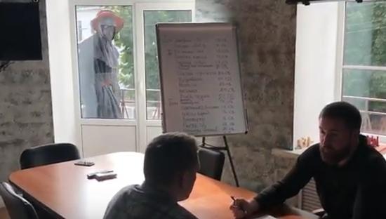 Видео: создатели новгородского отеля показали загадочные происшествия на стройке