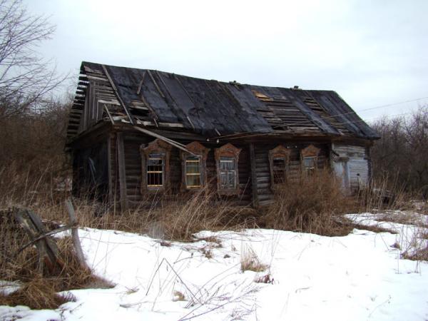 Трое мужчин и двое детей, пропавших в Окуловском районе, ночевали в заброшенном доме