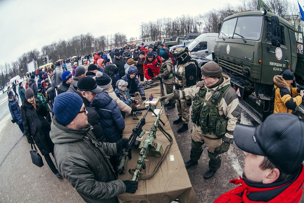 Фоторепортаж: День защитника Отечества в Великом Новгороде