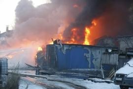 В Новгородском районе сгорел жилой вагончик. Пострадали двое