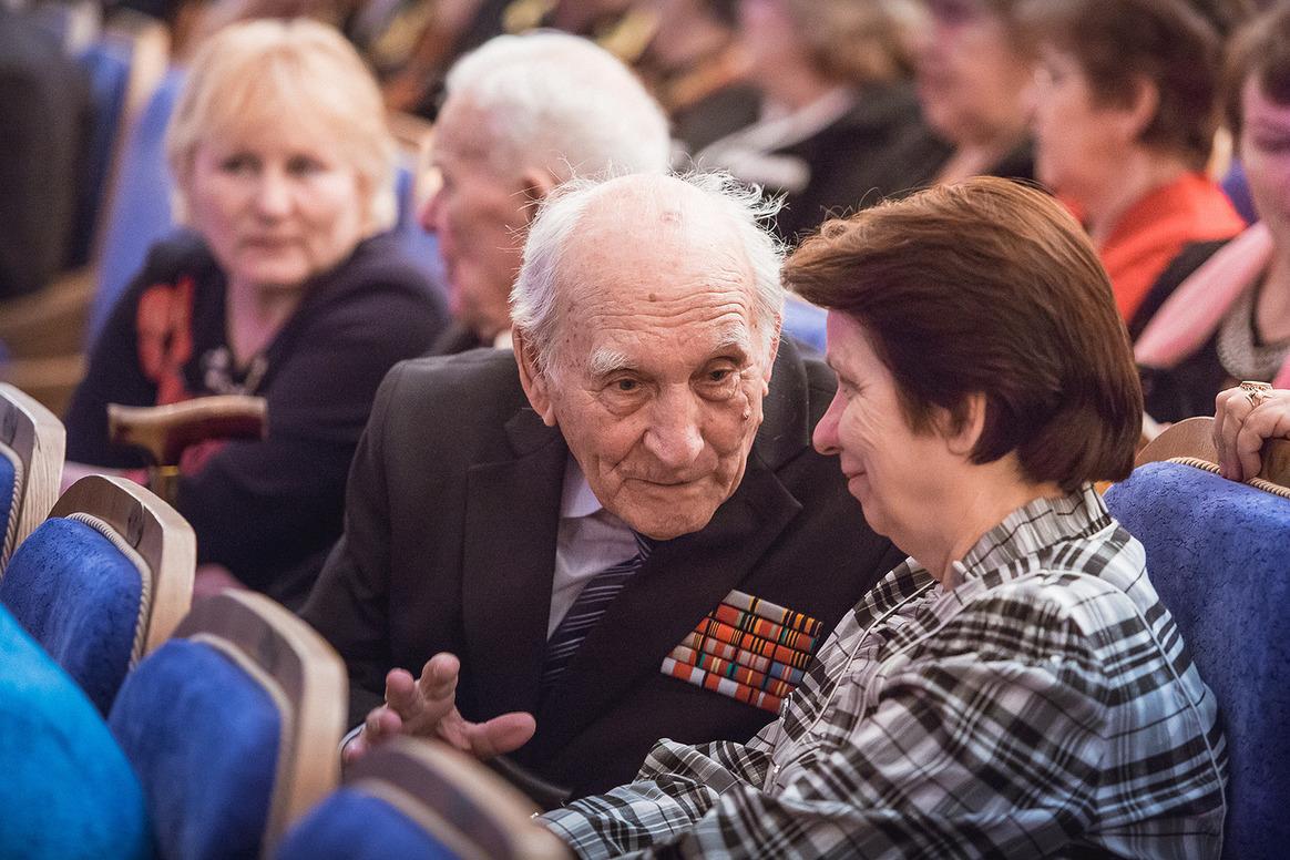 В новгородской областной филармонии наградили советы ветеранов