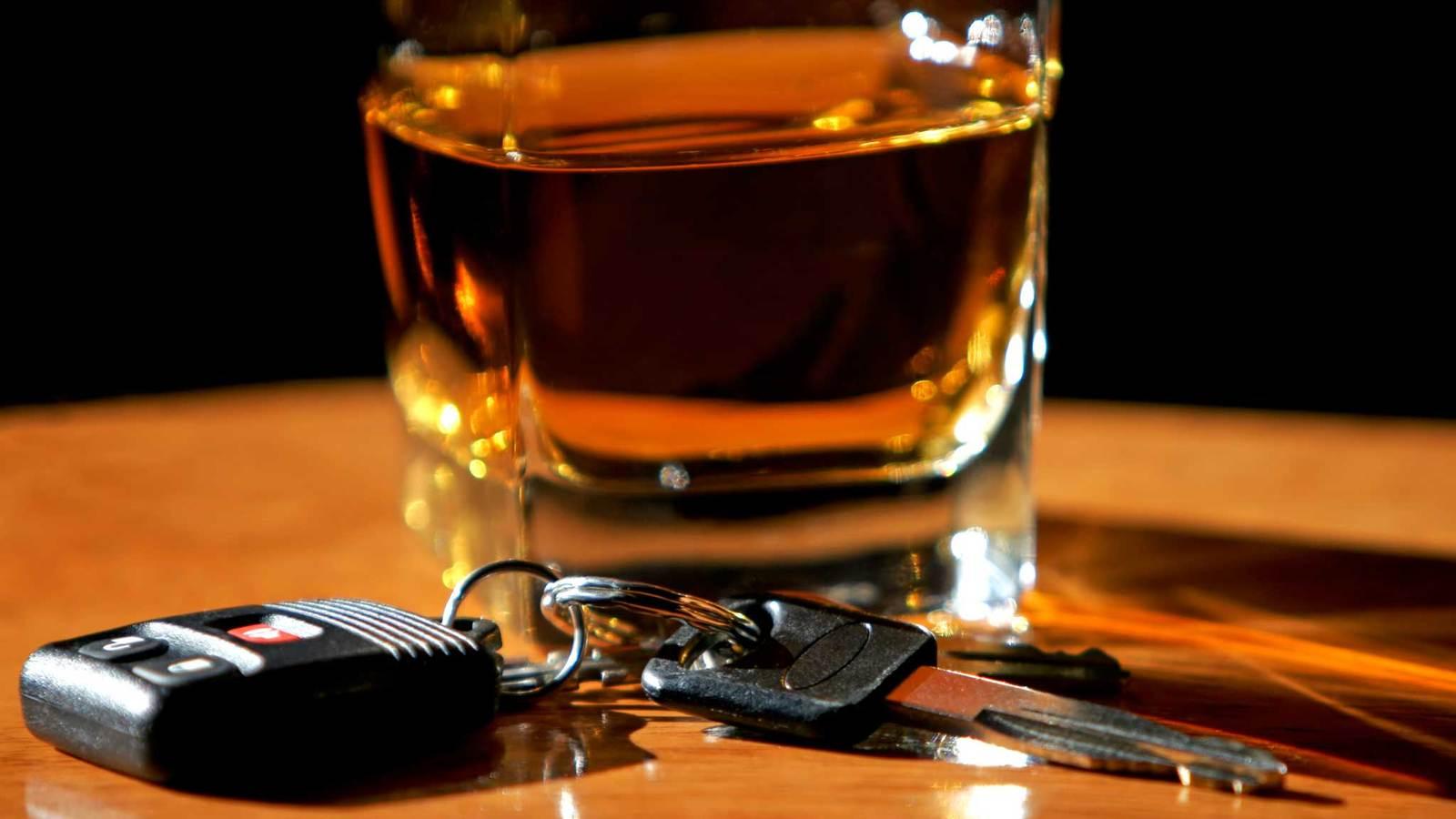 На выходных в Новгородской области каждые два часа задерживали по пьяному водителю