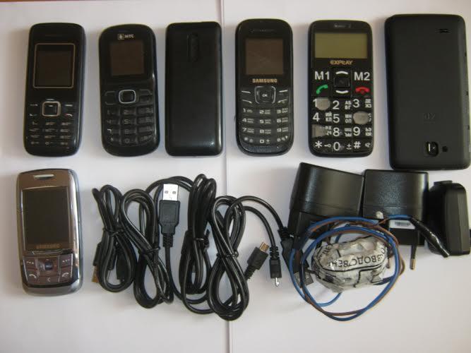 В валдайскую колонию пытались провезти самую крупную за 10 лет партию мобильных телефонов и наркотики