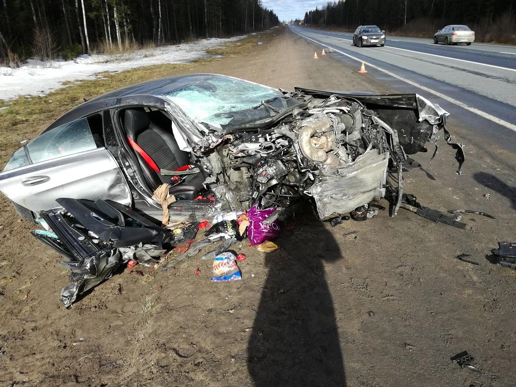 В аварии на М-10 в Новгородской области пострадали двое детей