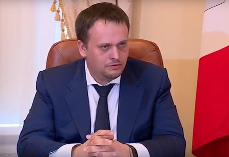 Андрей Никитин: «Проблема школьного автобуса в Хвойнинском районе должна быть решена до 1 сентября»