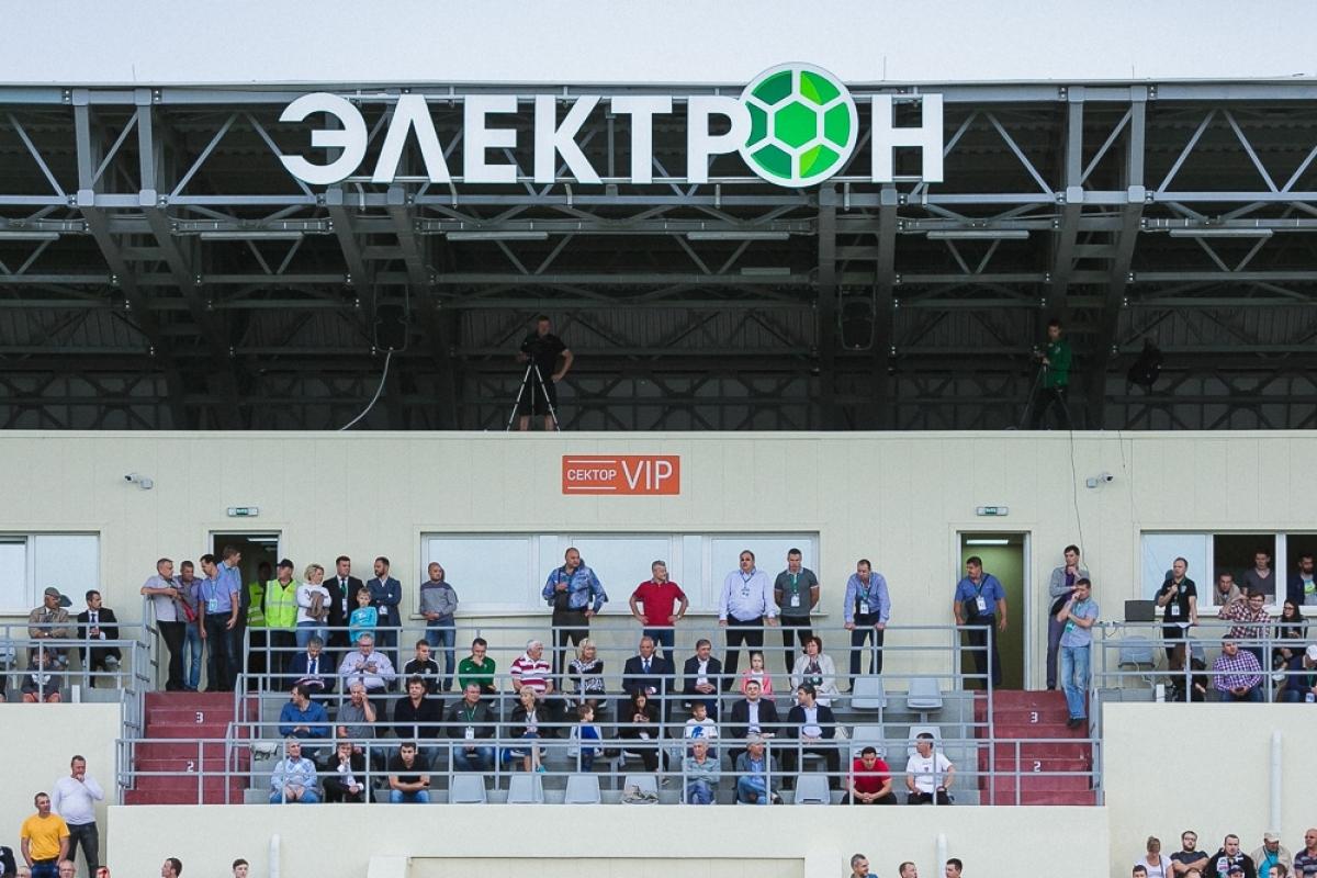 Не первой категории: «Электрон» не подходит — «Тосно» уезжает из Великого Новгорода