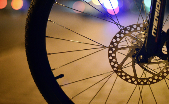 За сутки в Новгородской области пострадали три велосипедиста