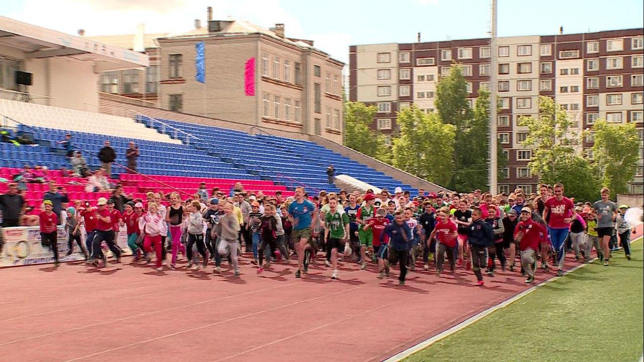 На новгородском стадионе «Волна» спортсмены узнали сколько метров в «Олимпийской миле»