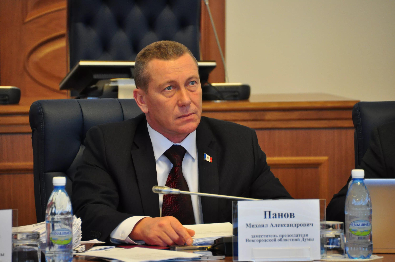 Михаил Панов представил документы на выдвижение в губернаторы Новгородской области