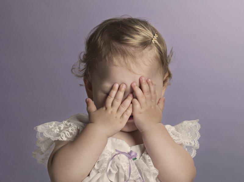 Глаз да глаз: в детсаду Валдая шестилетняя девочка порезалась о разбитое стекло