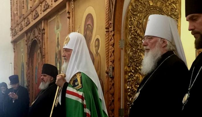 Патриарх Кирилл совершил Божественную литургию в Николо-Вяжищском монастыре