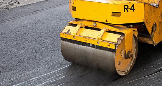 Дорогу в Любытинском районе отремонтировали после вмешательства прокуратуры