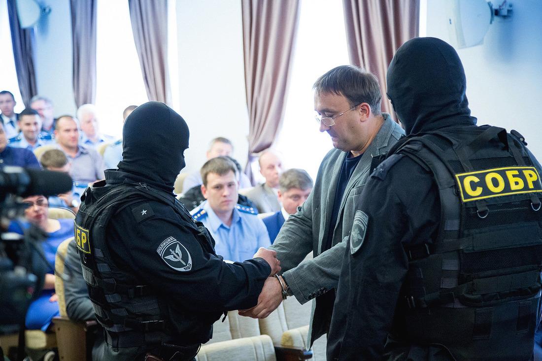 Владельцу сети «Эксперт» заменили меру пресечения на домашний арест