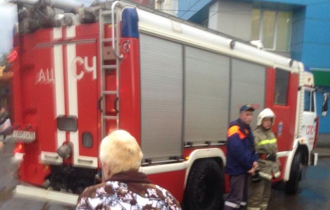 В Великом Новгороде эвакуированы люди из двух крупных торговых центров