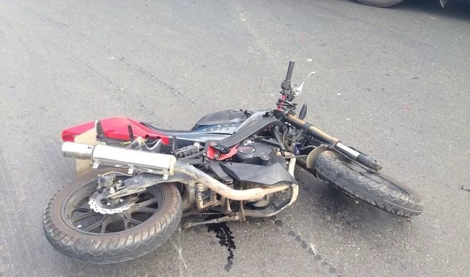 В Новгородском районе мотоциклист не справился с управлением и попал в больницу