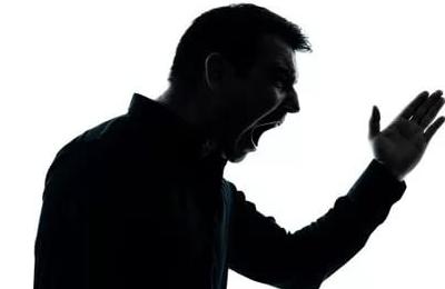 Житель поселка Хвойная поплатится за грубость к пенсионерке
