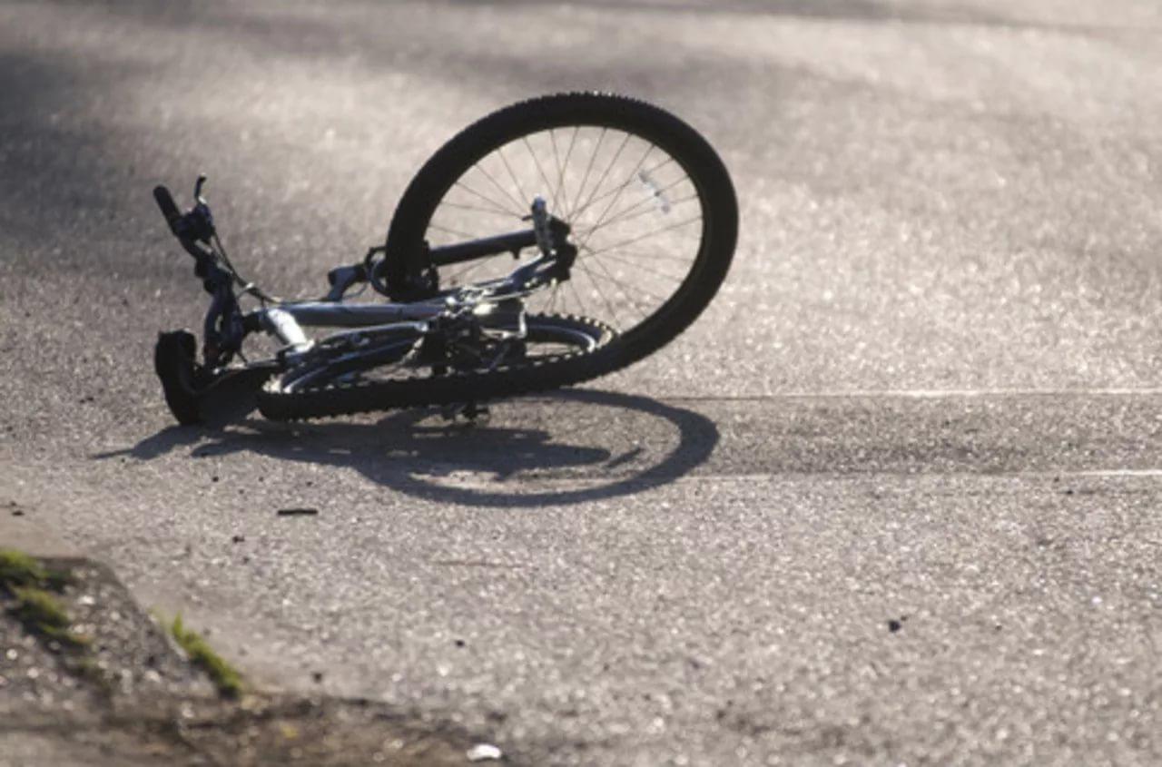 В Хвойной тракторист сбил старушку на велосипеде