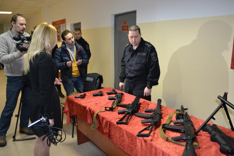 Росгвардия сообщила, сколько единиц оружия находится на руках у новгородцев