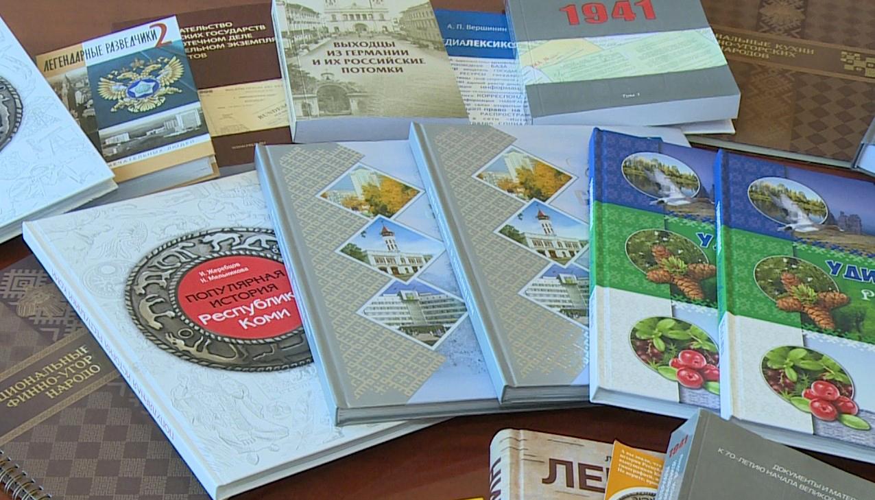 Библиотеке в городе Достоевского присылают книги со всего мира. Подарить их может каждый