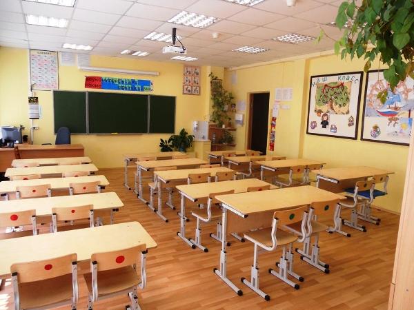 Антон Лобач и Александр Скрипник рассказали, как сегодня записывали детей в первый класс