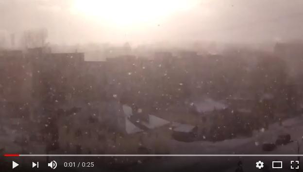 Снег и солнце устроили битву в новгородском небе
