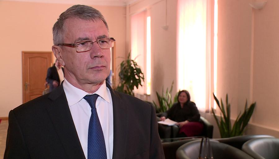 Сергей Яковлев предложил уравнять льготы врачей и педагогов