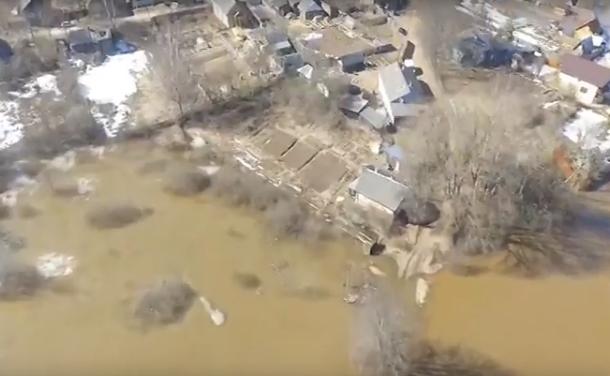 В Крестцах МЧС мобилизовано из-за резкого подъема воды в реке Холова